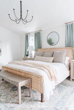 Room Ideas Bedroom, Small Room Bedroom, Home Decor Bedroom, Master Bedroom, Pastel Home Decor, Beach House Bedroom, New Room, House Rooms, Home Decor Inspiration