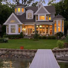 Cape Cod, Shingle style lake home
