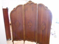 Starožitný paravan,dřevěný s vyřezávanými ornamenty.Výška 190 cm - obrázek číslo 1