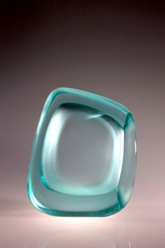 Peter Bremers glass sculptures: Connected Space `17, dim.66x36x19cm.