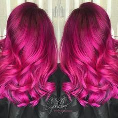 HairSpotting: TOP hairstyles to fall in love with! – Katie-lee Richer HairSpotting: TOP hairstyles to fall in love with! The new web for people who love hair! Magenta Hair Colors, Bold Hair Color, Cute Hair Colors, Bright Hair, Fuchsia, Hot Pink Hair, Top Hairstyles, Latest Hairstyles, Natural Hairstyles