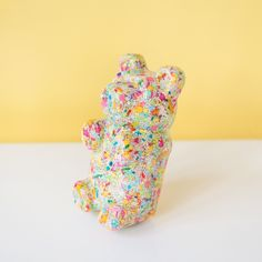 Pop Art gummi bear sculpture made out of resin and pastel colored sprinkles. Great kids room shelf decor, pop art sculpture, candy inspired art. Kids Room Shelves, Pastel Home Decor, Pastel Candy, Candy Sprinkles, Pastel House, We Bear, Baby Girl Nursery Decor, Cute Bears, Gummy Bears