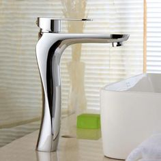 Basin Faucets Solid Brass Chrome Modern Bathroom Sink Faucet Single Handle Washbasin Hot Cold Mixer Water Tap Torneira