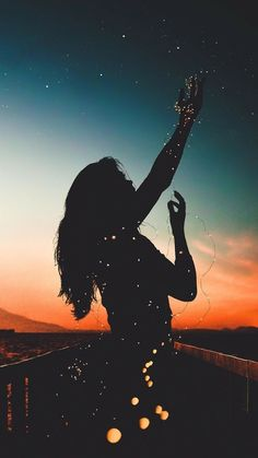 Wallpaper girl with sky night sunset background Wallpaper girl with sky night sunset background - Photography a Little Fun Tumblr Wallpaper, Wallpaper For Girls, Beautiful Wallpaper For Phone, Phone Wallpapers Tumblr, Amazing Photography, Nature Photography, Photography Tips, Digital Photography, Portrait Photography