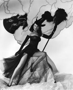 Vintage Halloween pinups - www.cultofweird.c...