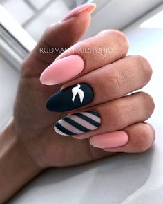 Discover new and inspirational nail art for your short nail designs. Stylish Nails, Trendy Nails, Cute Nails, Nail Art Designs, Black Nail Designs, Nails Design, Oval Nails, Pink Nails, Hair And Nails
