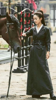 Zhaoliying princess agent Traditional Fashion, Traditional Outfits, Everyday Princess, Princess Agents, Female Knight, Chinese Clothing, Cosplay Outfits, Hanfu, Chinese Style