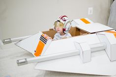 Star Wars Snow Speeder made out of a cardboard box! This is happening when I have kids...hell I may make one for myself now!