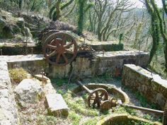 LUXULYAN VALLEY: remains of the water wheel that drove the incline railway in the Luxulyan valley, Cornwall.