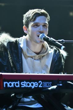 Lauv performs at Z100 & Coca-Cola All Access Lounge in NYC 171208 #Lauv #Z100andCocaColaAllAccessLounge