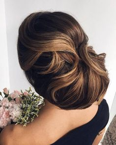 Ulyana Aster Romantic Long Bridal Wedding Hairstyles_19 ❤ See more: http://www.deerpearlflowers.com/romantic-bridal-wedding-hairstyles/