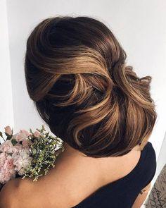 Ulyana Aster Romantic Long Bridal Wedding Hairstyles_19 ❤ See more: http://www.deerpearlflowers.com/romantic-bridal-wedding-hairstyles/