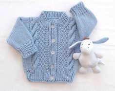 Knitted blue baby cardigan - Baby knit sweater - 0 to 6 months - Baby knitwear - Baby shower gift - Blue baby sweater