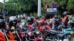 Mototaxistas aceleram vendas em concessionárias e revendedoras do Amazonas http://portalamazonia.com/detalhe/noticia/mototaxistas-aceleram-vendas-em-concessionarias-e-revendedoras-do-amazonas/?cHash=581d16863b15e6a3ec7cf78ec02149ad