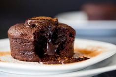 Dieses Rezept ist der Beweis, dass man im Dampfgarer sogar süße Nachspeisen leicht zubereiten kann. Das Schoko-Soufflé ist wirklich ein Traum.