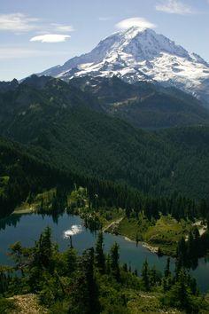 Eunice Lake and Mount Rainier (by Lidija Kamansky)