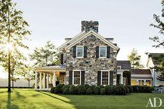 Now that's a farmhouse.
