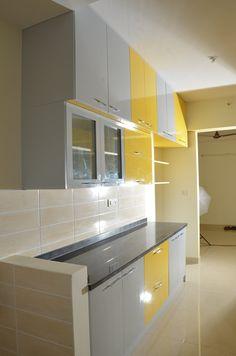 Parallel Kitchen Design India: asian Kitchen by Scale Inch Pvt. Open Kitchen Interior, Moduler Kitchen, Kitchen Modular, Kitchen Layout, Asian Kitchen, Kitchen Cabinets India, Kitchen Rack, Kitchen Tiles, Rustic Kitchen