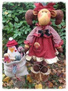 Cartamodelli Natale 2013 Moose Crafts, Homemade Dolls, Christmas Crafts, Christmas Ornaments, Gingerbread Man, Reindeer, Felt, Teddy Bear, Holiday Decor
