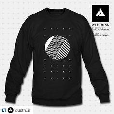 #Repost @dustri.al with @repostapp  Eclipse Mono  #warm #cyber #hug #dustrial #blvck #fashion #crewneck  http://dustri.al/mono