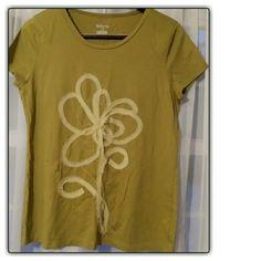 Merona T~Shirt XL Olive Green with a pretty fabric flower design! Merona Tops Tees - Short Sleeve