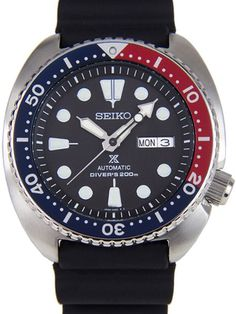 Seiko SRP779 Turtle automatic dive watch features a Seiko 24 jewel automatic movement that is also hand windable, a date display, a Seiko rubber dive strap, and highly luminous hands and markers.