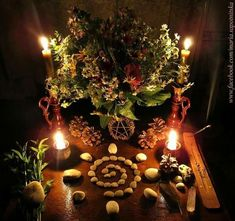 Yule Altar discovered by 𝒶𝓈𝒽𝓁𝑒𝓎 🔮 on We Heart It Witch Alter, Yule Celebration, Le Gui, Nature Witch, Green Witchcraft, Eclectic Witch, Witch Decor, Witch Aesthetic, Faeries