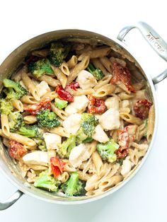 Tangy One Pot Chicken and Veggie Pasta Dinner Healthy Ideas for Kids, One Pan Harvest Pasta, One Pot Pasta Dinner Never Enough Thyme, Kale. Veggie Pasta, Chicken Pasta Recipes, Broccoli Pasta, Chicken Ideas, Easy To Cook Meals, One Pot Meals, Clean Meals, One Pot Chicken, One Pot Pasta