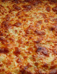 Pepi's kitchen in english: Easy Pizza Margherita Cookbook Recipes, Pasta Recipes, Cooking Recipes, English Food, Greek Recipes, Diy Food, Food And Drink, Easy, Pizza Margherita
