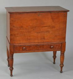 great patina on this old wood piece. Primitive Furniture, Primitive Antiques, Antique Furniture, Wood Furniture, Southern Furniture, Country Furniture, Antique Shops, Vintage Antiques, Trunks And Chests
