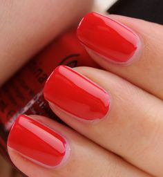 China Glaze - Poinsettia (Let it Snow Collection—Holiday 2011)