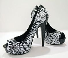DIY ~Zentangle High Heels {take a pair of ordinary black high heeled shoes and transform them with a zentangle design using Elmer's paint pens! Here's the how-to} #Zentangle #Zentangle Art #Zentangle Patterns #Zentangle Designs #Zentangle Ideas
