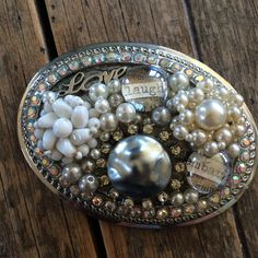 "Belt Buckle with Recycled Vintage Jewelry pieces ""laugh"""