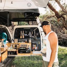 Nothing beats cooking our meals out in nature. Suv Camping, Pickup Camping, Off Road Camping, Camping Set Up, Camping Meals, Sprinter Camper, Car Camper, Camper Life, Camper Van