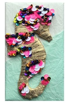 DIY Seahorse Gift Topper Craft Tutorials, Burlap Wreath, Cool Things To Make, Confetti, Diy And Crafts, Easy, Fun, Gifts, Decor