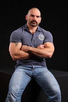 video gay muscolosi culturisti gay