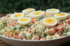 Ensalada rusa con huevos duros