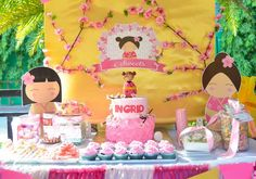 Ingrid's Kokeshi Doll Party Baby Girl 1st Birthday, First Birthday Parties, Birthday Party Decorations, First Birthdays, Birthday Ideas, Diy Sushi, Sushi Party, Japanese Theme Parties, Japanese Birthday