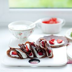 Chocolate crepes, strawberries and creme fraiche – To. Chocolate crepes, strawberries and creme fraiche – To. Strawberry Crepes, Fresh Strawberry Recipes, Bakery Recipes, Cooking Recipes, Cooking Ideas, Chocolate Pancakes, Nutella Crepes, Chocolate Cake, Crepe Recipes