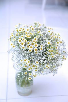 かすみ草ブーケ/マトリカリア/花どうらく/ブーケ/http://www.hanadouraku.com/bouquet/wedding/