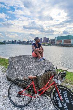 Randall's Island Park à New York est un endroit insolite où se balader, à rejoindre en vélo depuis Manhattan. Il se trouve entre South Bronx et Astoria.