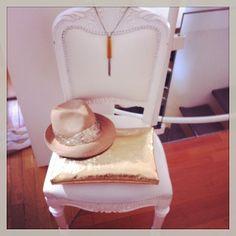 Eugenia Kim hat, Gianlisa clutch, MM6 necklace www.suite123.it