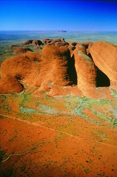 The Olgas - Red Centre van Australië. Explore th . - The Olgas – Red Centre van Australië. Outback Australia, Australia Travel, Western Australia, Places Around The World, Around The Worlds, Beautiful Places, Beautiful World, All Nature, Land Art