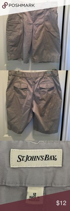 St Johns Bay Natural Waist Cotton Sheeting Shorts Grey cotton sheeting shorts.  Rise sits at natural waist.  Front & back pockets.  EUC. Nonsmoking house. St Johns Bay Shorts Bermudas