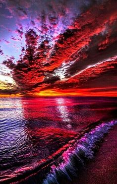 The most beautiful part of nature is the sunset & the sunrise. Check out these 50 most beautiful sunset and sunrise photography. The below pictures are for those who are very attached to the nature. Beautiful Nature Wallpaper, Beautiful Sunset, Beautiful Landscapes, Beautiful Places, Beautiful Pictures, Sunrise Photography, Landscape Photography, Nature Photography, Photography Tips