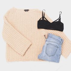 When we are running late our go-to outfit is pairing a cashmere sweater with jeans. It's easy to throw on and is an outfit that will always look cute and comfy. #freestylefind #ootd #style #fashion