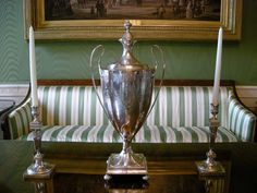 Who knew? The oldest artifact in the White House is a coffee urn dating back to John Adams! #KidsStateDinner