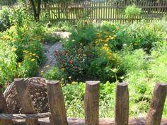 Große Pflanzenvielfalt auf kleinem Raum/ Bauerngarten im Spreewald