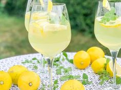 Party Drinks, Cocktail Drinks, Alcoholic Drinks, Limoncello Cocktails, World's Best Food, Food Concept, Summer Drinks, Food And Drink, Cooking Recipes
