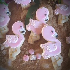 Flamingos.....almost too cute to eat! ~R